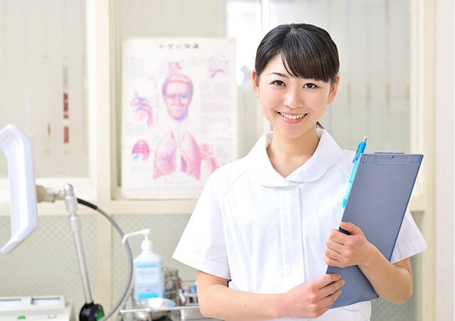 病院内の看護婦の画像